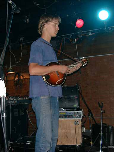 33 Mandolin Player 5L11.jpg (25472 bytes)